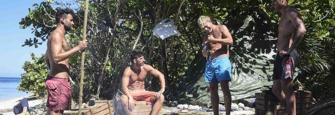 """Isola dei Famosi, Yuri """"chiede"""" la nomination e la ottiene: con lui Kaspar e Sarah. Grecia eliminata"""