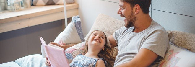 Manovra, congedo obbligatorio per i papà nel 2019 sale a 5 giorni
