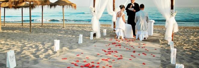 Matrimonio In Spiaggia Taranto : Quant è chic un quot sì nel salento ecco i luoghi prediletti