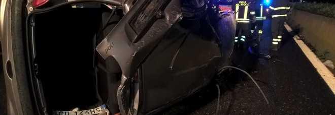Scontro sulla Lecce-Brindisi: auto si ribalta sulla carreggiata