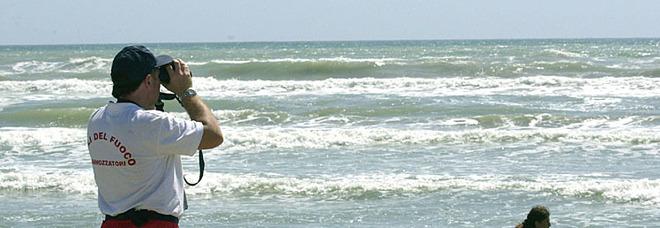 Gabriele, annegato a 17 anni davanti agli amici a Torvaianica: festeggiava la fine della scuola