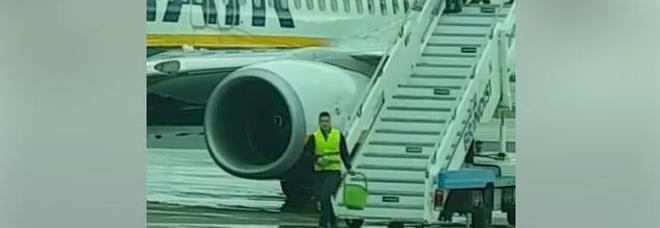 """Voli cancellati a Brindisi, interrogazione sullo scongelamento dell'aereo """"Fai-da-te"""" - VIDEO"""