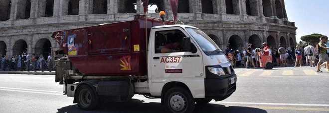 Rifiuti della Capitale in Puglia, no dei Cinque stelle