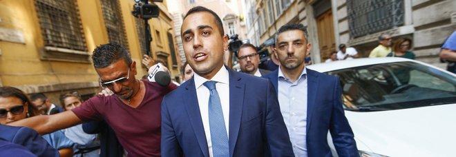 Governo, vertice M5S-Pd in corso. Di Battista: «Zingaretti ha il terrore di Renzi». Salvini: «Mai con i Dem»