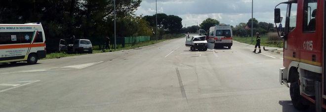 L'auto distrutta dall'impatto
