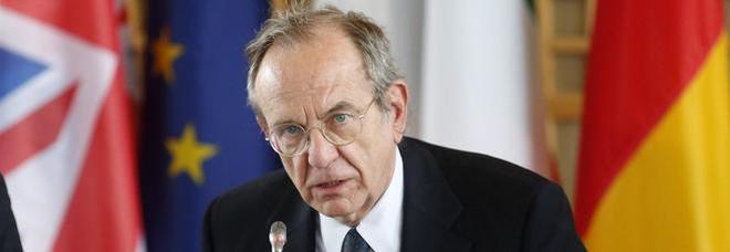 Banche, Padoan: «Da mini bad-bank nessun impatto su deficit e debito»