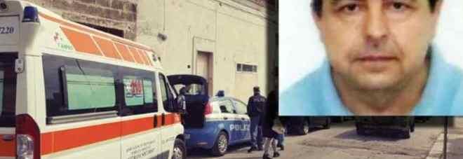 Gli inquirenti davanti alla casa di Antonio Stano