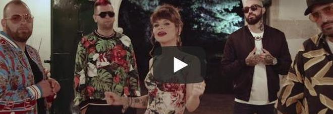 """Esce """"Mambo salentino"""", il nuovo singolo dei Boomdabash con Alessandra Amoroso - VIDEO"""