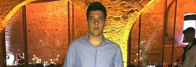 Matteo muore a 17 anni mentre è al telefono con un suo amico: era a casa con l'influenza