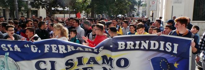 Ferraris ancora senza sede: studenti e docenti in strada a protestare