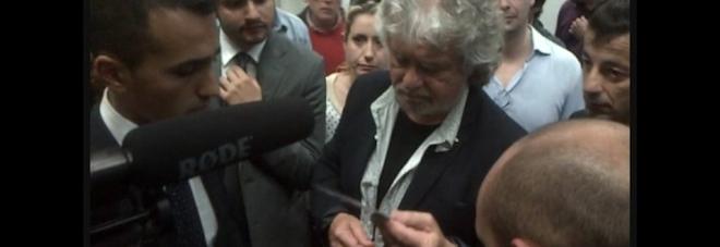 """Grillo a Pescara contro Equitalia: """"Questa storia diventerà un caso simbolo"""""""