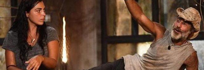 Paura per Raz Degan all'Isola dei famosi: 'steso' dopo un morso