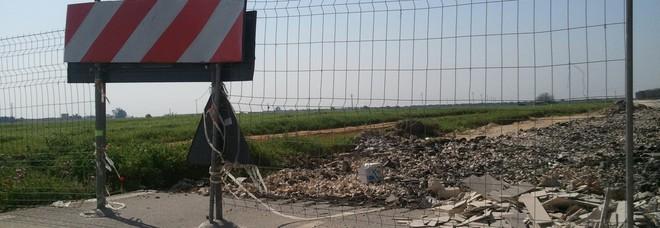 Cantieri bloccati, asfalto sconnesso e incroci a rischio: slalom sulle vie del mare