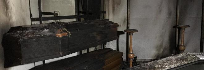 Paura nella notte: attentato all'agenzia funebre