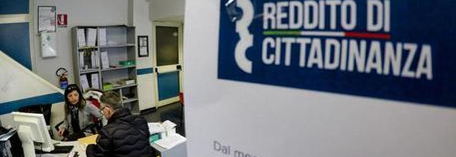 Reddito di cittadinanza, pronte 130mila disdette ma per rinunciare bisogna pagare
