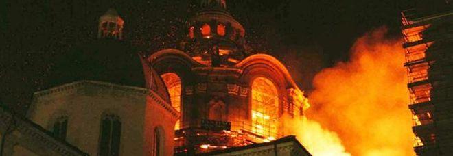 Notre-Dame, in fiamme 22 anni la cappella della Sindone a Torino