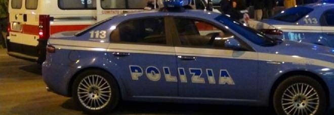 Intonano cori da stadio: aggrediti a Pescara, un accoltellato