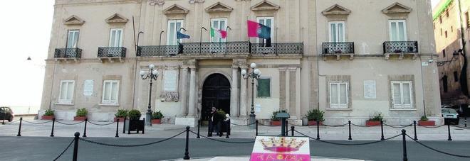Vertice a Palazzo di città tra Melucci, Mazzarano e Lopane: «Segreteria Pd da azzerare»