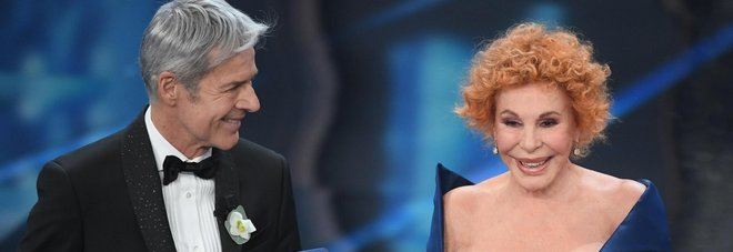Gaffe della Vanoni sul palco: «Che premio è questo?»