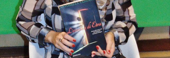 """""""L'essenza di Etra"""", da Marzullo il libro e l'autrice"""