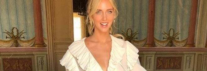 Matrimonio Ferragnez, Chiara Ferragni e il mistero dell'abito bianco su Instagram: è quello da sposa?