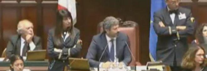 Botte tra deputati alla Camera mentre si litiga sul caso del Palagiustizia di Bari