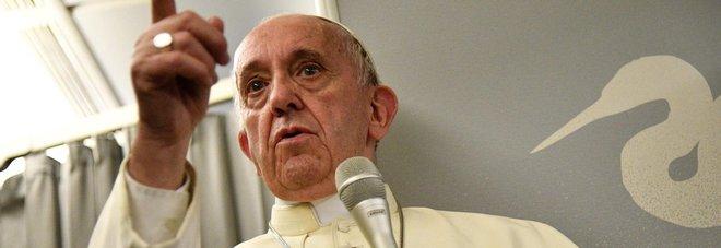 Il Papa e il Padre Nostro: «Non ci indurre in tentazione? Traduzione sbagliata»