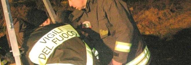 Paura per una bimba di 6 anni: cade in un pozzo, salvata dai vigili del fuoco