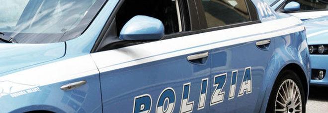 Paura in città : tre colpi di pistola contro un'auto in sosta
