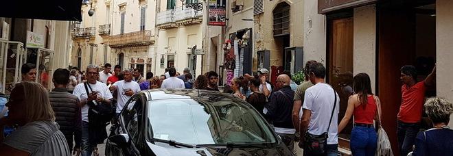 Il cuore antico di Lecce? Oggi «un suk, una mangiatoia».