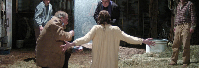 «Sono il tredicesimo apostolo»: esorcismi e riti nel capannone
