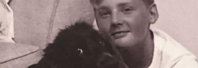 La sua cagnolina muore, 14enne non regge al dolore e decide di farla finita