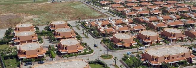 Acque Chiare: revocata la confisca, dopo 11 anni ville restituite ai 170 proprietari
