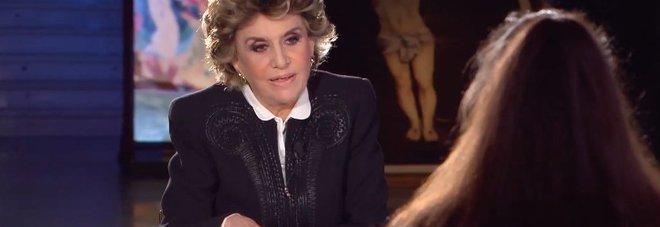 Franca Leosini durante l'intervista a Sabrina Misseri nel carcere di Taranto