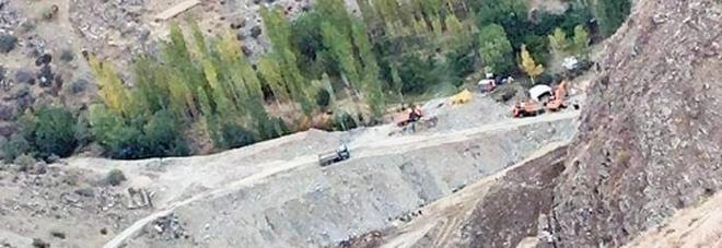 Miniera d'oro crolla, strage in Afghanistan: si teme che i morti siano cinquanta