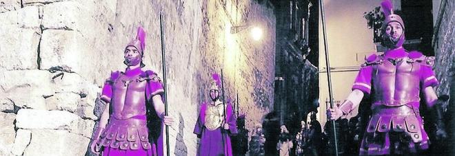 Il cappio stringe davvero: in Rianimazione l'attore che impersonava Giuda nella Passione