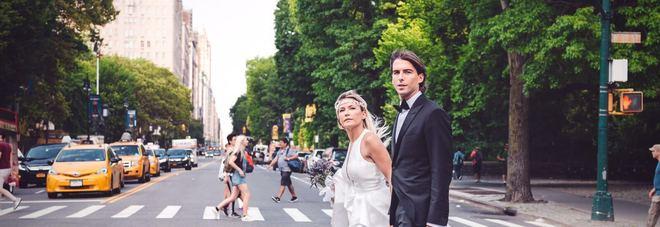 Fuga a New York e nozze a Central Park: Alessandro Onorato sposa la giornalista Sky Caterina Baldini