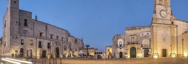 Specchia brilla nella notte la mag a del borgo antico - Specchia lecce mappa ...