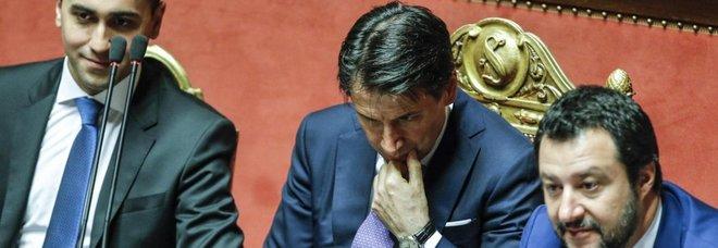Governo, nominati sei viceministri 39 sottosegretari. Al Tesoro Castelli e Garavaglia, all'Editoria Crimi