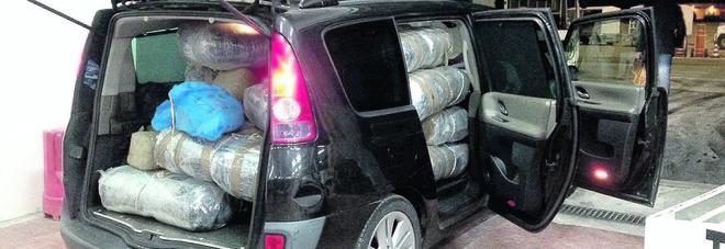 """Tabacco, alcol e marijuana viaggiano per l'Europa con i """"contrabbandieri 2.0"""""""