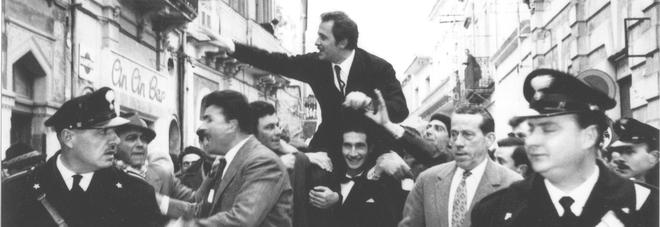 In piazza i 90 anni di Mister Volare, così San Pietro Vernotico ricorda Modugno