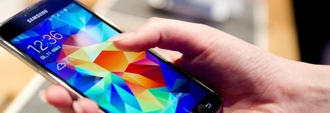 """Stress da notifiche smartphone: lo si batte """"raggruppandole"""""""