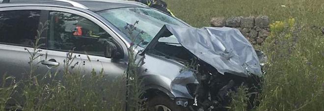Paura in strada, ambulanza contro auto: feriti in sei