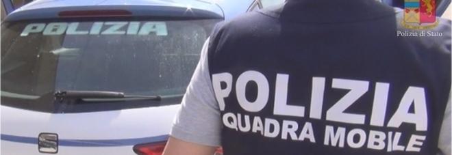 Tabaccaio picchiato a sangue dai rapinatori, sei arresti della Mobile