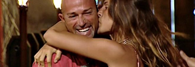 """Isola, Dayane Mello: """"Bettarini? Non sono innamorata"""" -Guarda"""