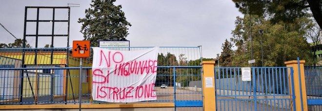 Chiuse per inquinamento: le scuole dei Tamburi potrebbero non riaprire