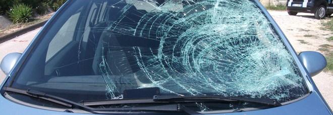Ciclista di 16 anni investito da un'auto: ricoverato in ospedale