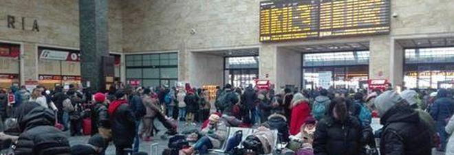 Firenze, falso allarme bomba in stazione: pesanti disagi alla circolazione dei treni