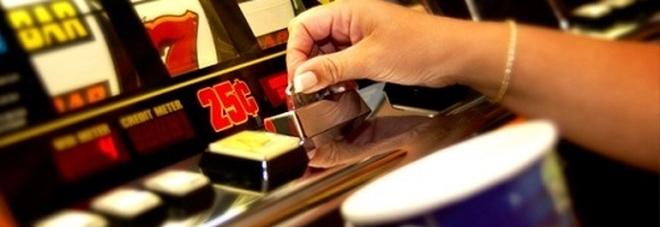 Giochi illegali. Chiusi a Foggia un bar, quattro circoli e tre agenzie per scommesse