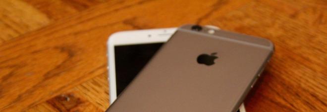 """""""L'iPhone 6s si scarica all'improvviso"""", Apple cambia gratis la batteria"""